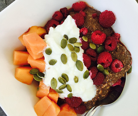 Chia-oat Cacao Breakfast Bowl